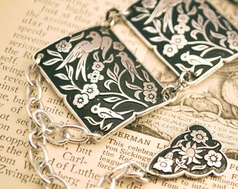 Vintage 50's Sparrow / Swallow bird floral plaque chain bracelet