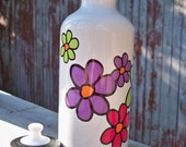 Dancing daisy sustainable water bottle