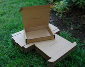 10 Customized shipping boxes from clean recycled cardboard with your thank you note.