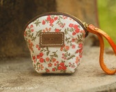 An Orange A034 / Pretty pouch with brass zipper