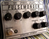 Pulsemonger guitar FX pedal - synthesizer \/ Distortion \/ Octave