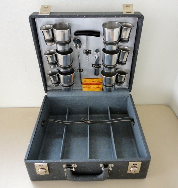 Portable Bar Pub with All Contents Inside: Mid Century at its Best
