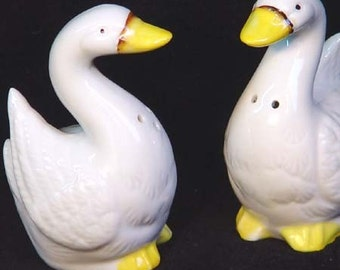 Silly Goose Salt and Pepper Set For Your Country Kitchen
