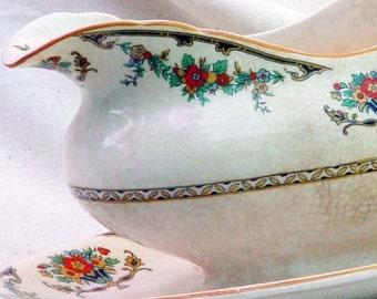 Minerva Gravy Boat  John Maddock & Sons 1880-1896 Victorian Antique Bone China