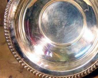 William A Rogers Silver Plated Fruit Bowl Vintage Partyware