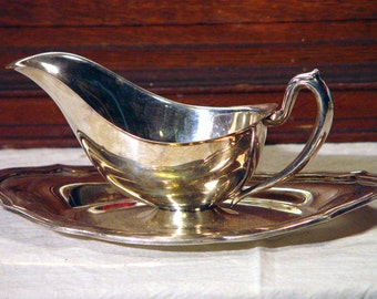 W S Blackington Gravy Sauce Boat Silverplated Attatched Underplate 1920s 1930s USA Gravyboat