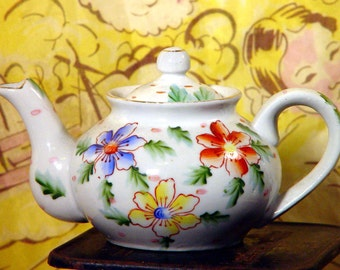 Hibiscus Flower Teapot Two Cups Japan 1940s WWII Era Vintage China Kitchen Classic