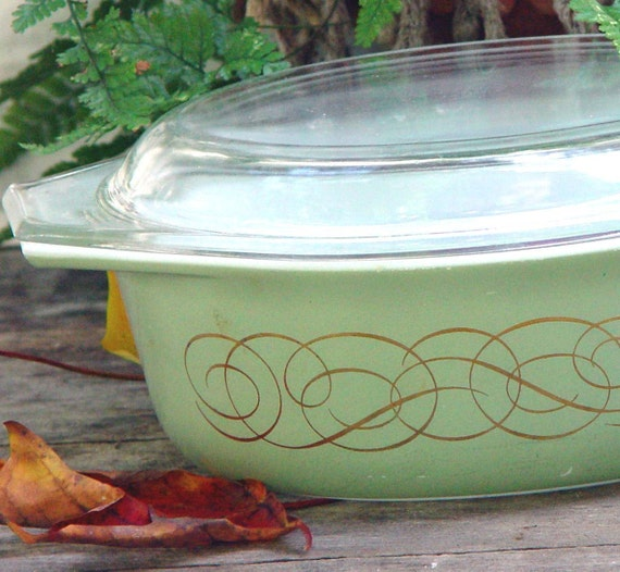 Pyrex Golden Scroll Casserole With Lid 1.50 Quarts 1959 Rare Sage Green Vintage Mid Century Kitchen Bake Ware 1950s USA