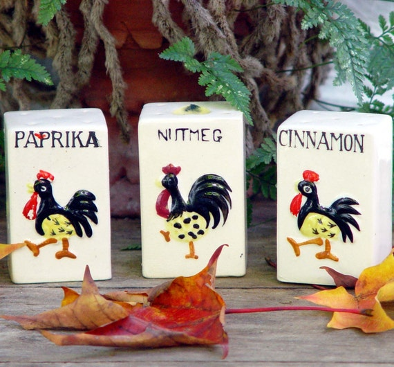 Rooster Spice Shakers Japan Set of Three For Your Vintage Country Kitchen