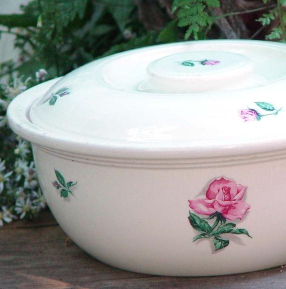 Kitchen Kraft Covered Casserole Rhythm Rose Homer Laughlin Vintage1930s Shabby-Chic Classic Bakeware