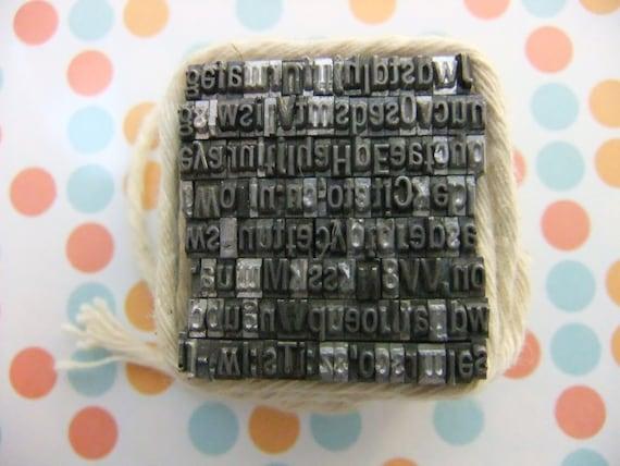 Vintage Letter Press Type Font