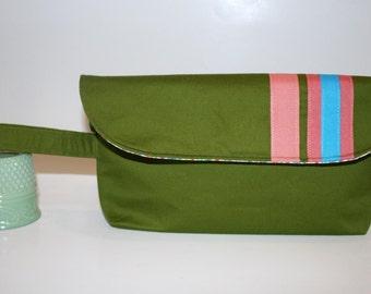 SALE Preppy Green Wristlet Bag, Clutch Bag, Catey Bag