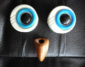 1\/2 off already reduced price SALE VINTAGE PLASTIC OWL EYE BEADS