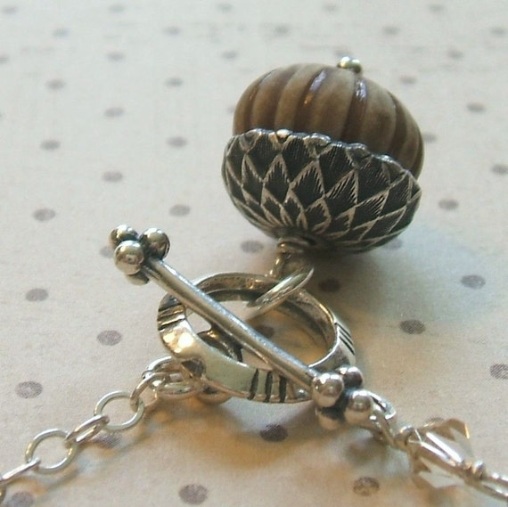 Sweet Acorn. Silver Necklace