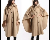 Vintage 70s HIPPIE CHIC Boho Wool HOODED Toggle CAPE Coat