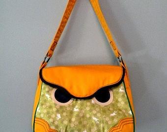 Clearance SALE Owl Handbag / Hoot The Owl Bag / Owl Purse (Olive Japanese Bunnies Fabric)