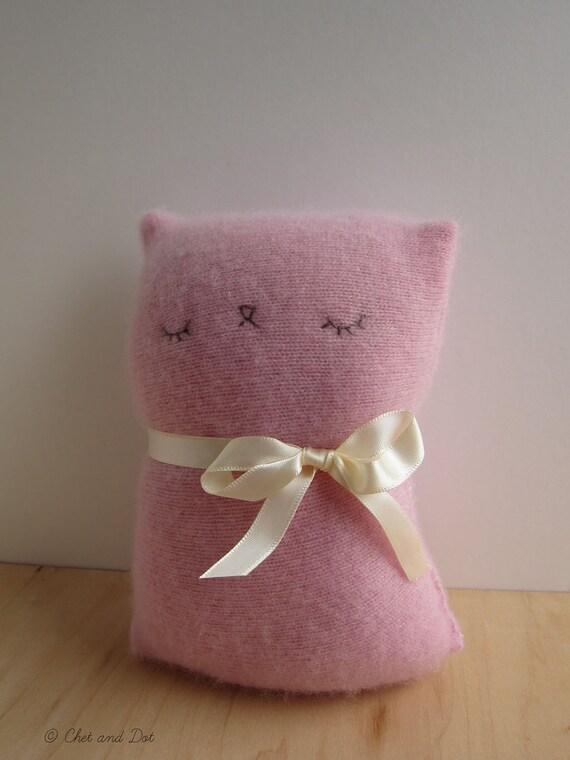 Sleepy Kitty of Pink Cashmere