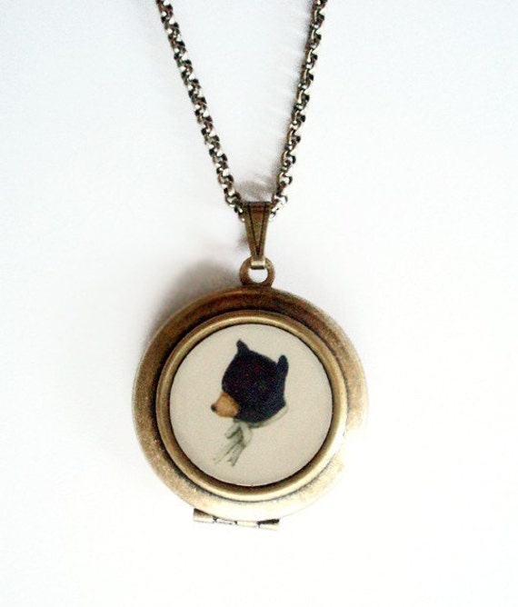 Fancy Wearables Round Locket with Bear Cameo