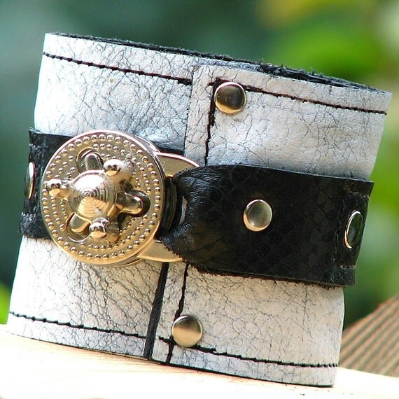 Steampunk Unisex Leather Wrist Wallet Cuff with Secret Pocket -- Black on Mottled Gray with Silver