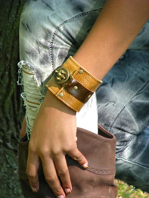 Hey Ladies.......Steampunk Leather Unisex Wrist Wallet Cuff with Secret Pocket - Brown on Whiskey Wristband