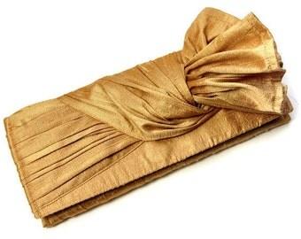 Bridal Clutch in gold // Bridesmaid Clutch in gold silk // Wedding bag // The KNOT Clutch bag
