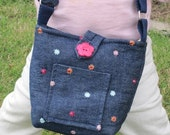 the perfect itty bitty messenger tote