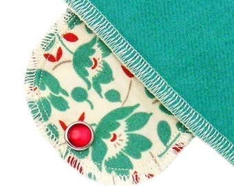 Extra Absorbent Moonpads Organic Cloth Pads - Apron Flowers