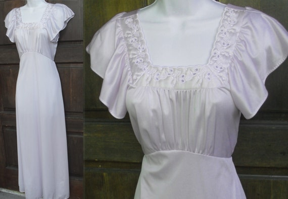 Vintage Lavender Nylon Nightgown 70s does 40s style size Sml MOVIE Star Label