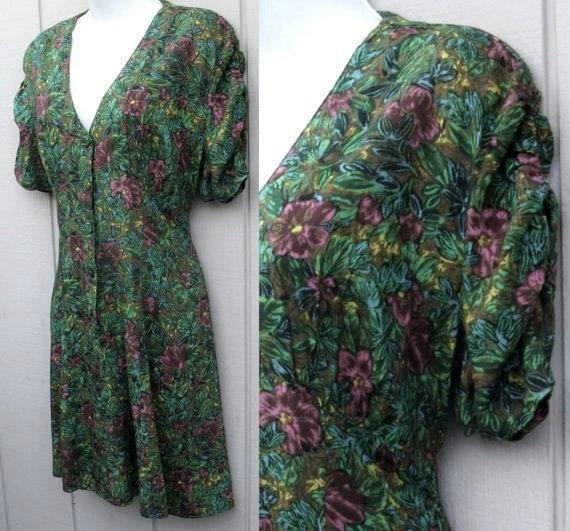 Vintage Green Mini Dress 90s grunge floral Empire Mini Dress with flutter skirt Sz Sml to Med