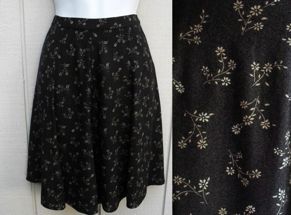 Vintage 90s black Floral mini skater Skirt  sz Small / 28 Waist