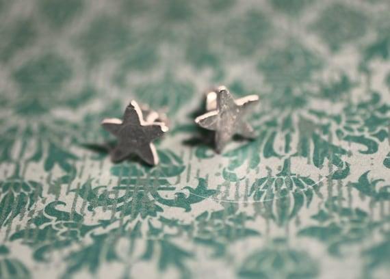 simple stars studs - star earrings - everyday earrings - star studs - sterling silver stars - nickel free earrings - star earrings - posts