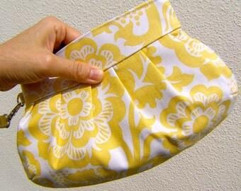 BRIDESMAIDS CLUTCH, Janbag Wristlet, yellow, cosmetic bag, pocket, pleated, - Blockade blossom in dendelion