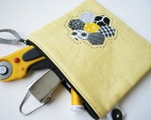 Linen Patchwork Pouch - Buzzy Bee