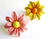 Flower Power - Mini Brooch - Pink