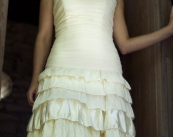 SAMPLE SALE - Callie - Tiered Ruffled Skirt Ruched Bodice Fit and Flare Eco Friendly Wedding Dress - Ivory Hemp Silk
