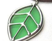 Single leaf - stained glass pendant (463)