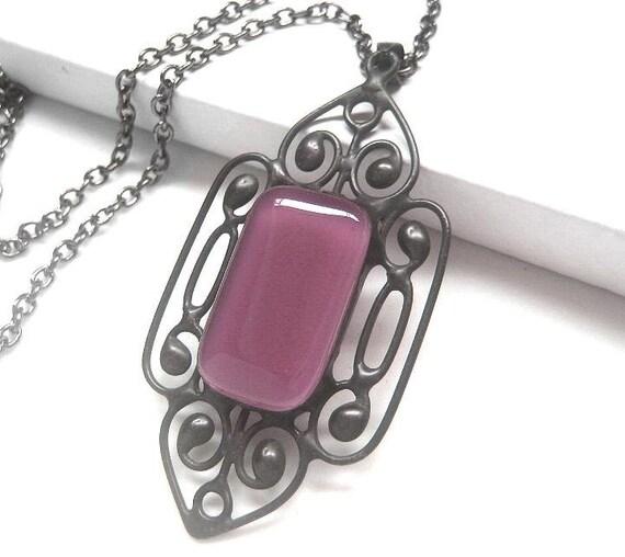 Vintage style fused violet glass gem pendant (v71)