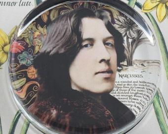 Oscar Wilde Narcissus Glass Round Paperweight tartx