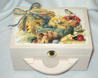 Memory Box-Garden Critters