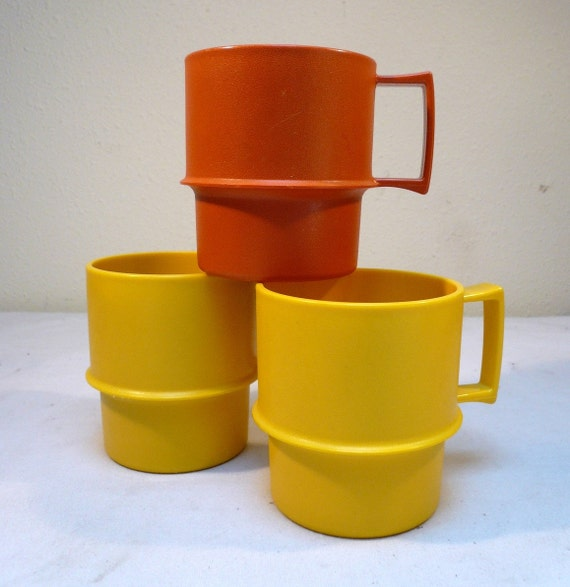 Vintage Tupperware Plastic Cups Set Of 3 Picnic Basket Mugs