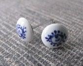 Tiny Vintage Delfts Blue Earrings