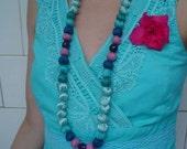 Fuxico Necklaces