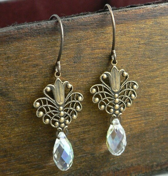 Fanfare - natural brass filigree earrings