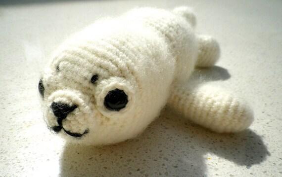 Eira the baby harp seal amigurumi