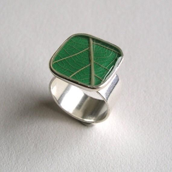 Leaf Ring Green
