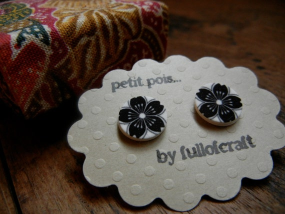 Petit Pois Earrings with Black and White Cherry Blossom