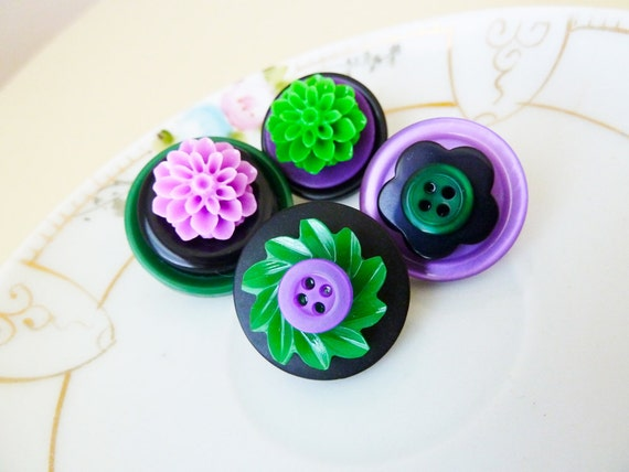 Vintage Button Pins Set, Funky Flowers in Purple, Black and Green. CLEARANCE SALE