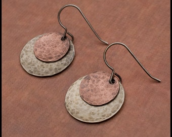 Aiofe - recycled sterling silver hammered and oxidized disc earrings