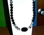 beautiful onxy and snowflake obsidian necklace