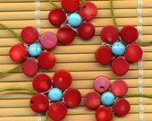 Coral Daisy Necklace